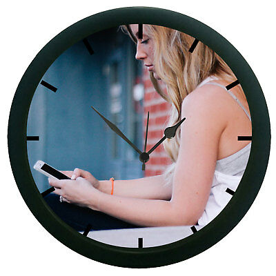Girl With Phone 3D Wall Clock Plastic Granules Home Décor 12 Hour Display Watch