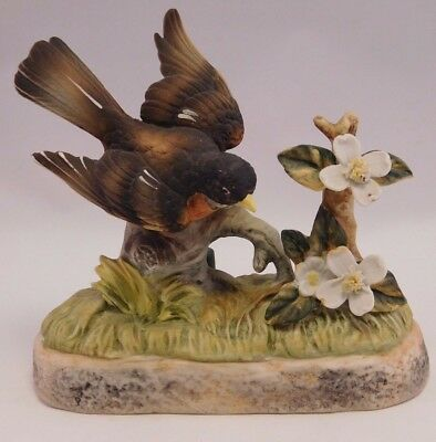Collectors Porcelain Art:  1972 #081/1200 Bird Perfume Container Robin