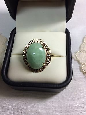 Large 14K Yellow Gold Green Jade Ring With Greek Key Design Size 6