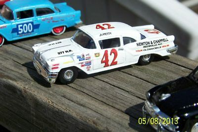 CD_833 #42 Lee Petty   1957 Olds Convertible 1:24 Scale Decals