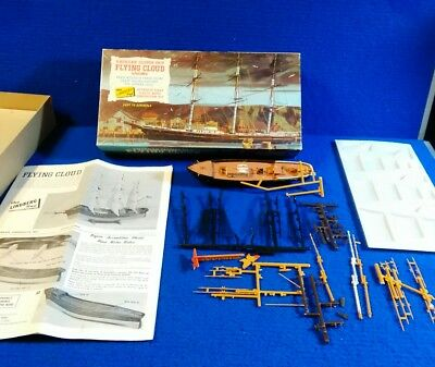 Vintage 1966 The Lindberg Line American Clipper Flying Cloud plastic model ship
