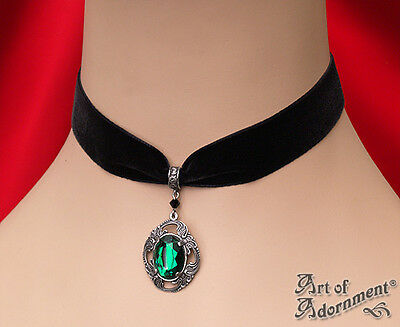 Gothic GREEN CRYSTAL BLACK VELVET CHOKER Necklace Victorian Style Pendant C17