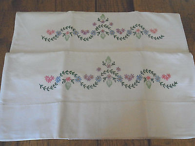Vintage Pair Blue Pink Green Daisy Garland Floral Embroidered Pillowcases-NICE!!