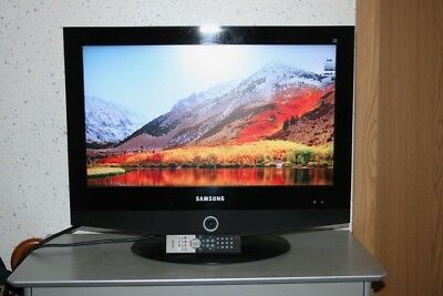 samsung led tv kleiner 19 zoll fernseher ue19h4000aw. Black Bedroom Furniture Sets. Home Design Ideas