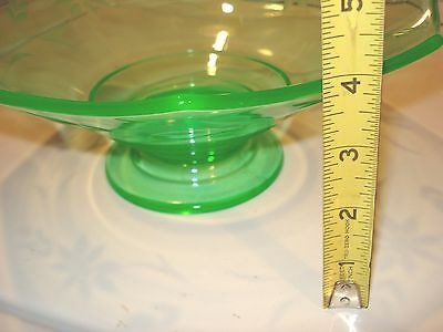 Green Depression Vaseline Uranium Glass Centerpiece Bowl Cut Flowers 1940's Era