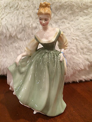 Royal Doulton Figurine FAIR LADY 1962  HN2193 Made in England  RETIRED Mint!
