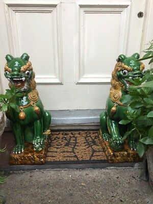 Vintage Large Pair Of Chinese Pottery Dogs Of Foo Made In Hong Kong