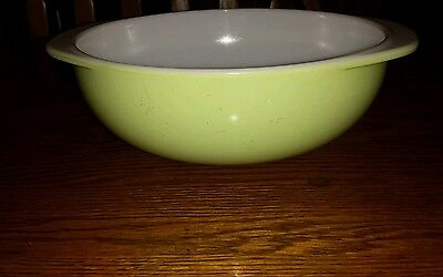 Vintage Pyrex Lime Green Mixing Bowl