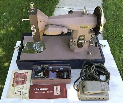 Vintage1957 Kenmore Sears Roebuck Rotary Sewing Machine W / Attachment/ Case