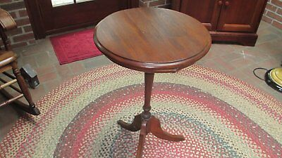 "Antique Vintage 27"" Tall Solid Wood Lamp Stand/Plant Stand/Table"