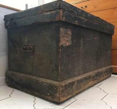 Antique railway Chest, Vintage Trunk, wooden Storage Box, Coffee Table, Ottoman