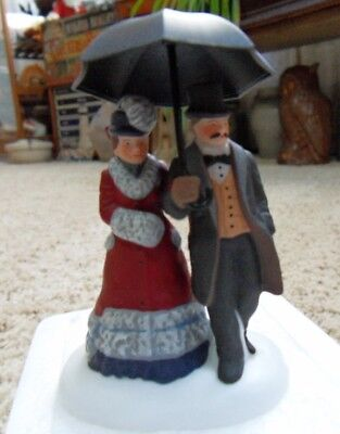 Dept 56 UNDER THE BUMBERSHOOT #5846-0 Dickens Village Collection Accessory