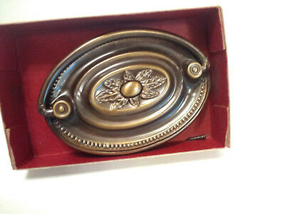 Vintage Oval Dresser Drawer Pull Hepplewhite National Lock R686 Antique English