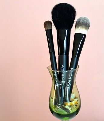 Wet N Wild Make-up Brushes - Powder Brush - Foundation Brush -  Eyeshadow Brush
