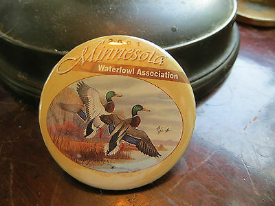2001 Minnesota Waterfowl Association button, advertising, club, ducks