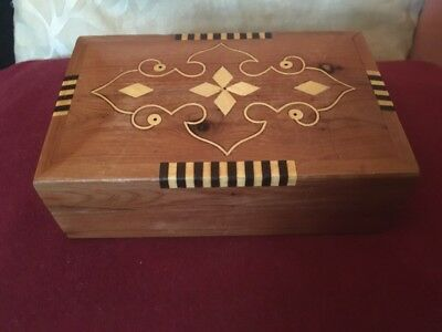 Beautiful Art Deco Cigarette/Cigar Box Inlaid Sinuous and Patterned Motifs