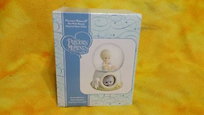 """Precious Moments """"Boy with Bunny"""" Musical Water Globe - 713006"""