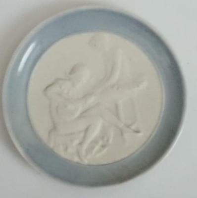 Small Pin Dish - Lladro Spain   83mm  Blue and White Courting scene