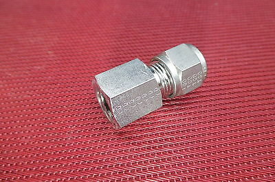 "Hoke® 3/8"" Tube OD x 1/8"" NPT Pipe FEMALE STRAIGHT CONNECTOR 316 Stainless Steel"