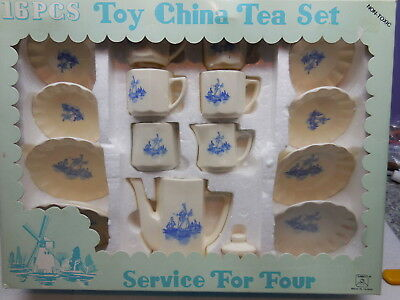 Summco Taiwan 1970's Toy Child Tea Set 16 Pieces Delft Style In Original Box