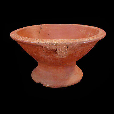 Pre-Columbian red wale pottery vessel with incised linear design on rim x4910