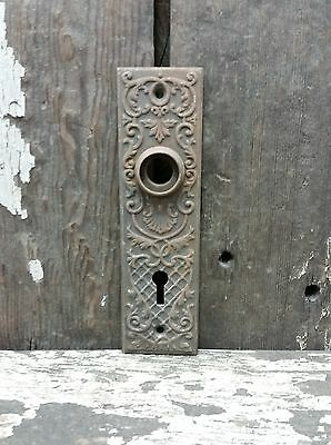 VTG Old Small SHABBY Metal FANCY Vine Trealis Keyhole Door Knob Backplate