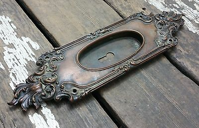 "VTG Old Ornate VICTORIAN Cast BRASS Door Keyhole Pocket Pull Backplate 10"" TALL"