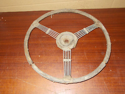 volant voiture collection anciennne a renover a identifier