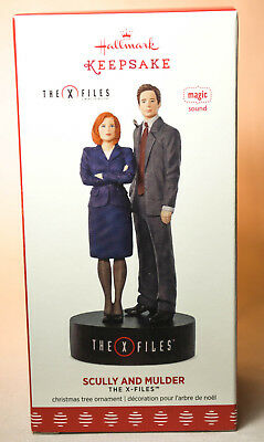 Hallmark: Scully and Mulder - The X-Files - 2017 Keepsake Ornament