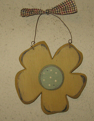 PRIMITIVE  COUNTRY  small SPRING FLOWER antique gold