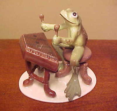 Hagen-Renaker Specialty #3183 Froggy/Froggie Mountain Breakdown DULCIMER PLAYER