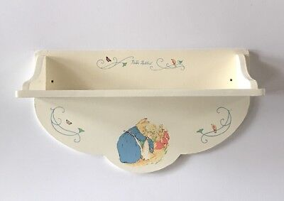 1995 The World of Beatrix Potter Wood Collection PETER RABBIT Wall Shelf