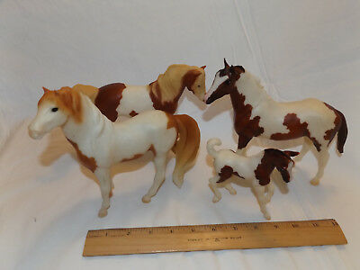 LOT of 4 played-with BREYER Classics HORSES and FOAL