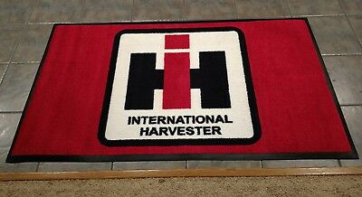 International IH 3x5' shop rug. Farm equipment, tractor, diesel, memorabilia