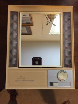Vintage Clairol True to Light Lighted Make Up Mirror Two Sided Magnify LM1 Works