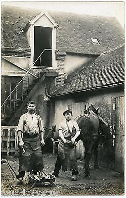CARTE PHOTO. MéTIER DE LA CAMPAGNE. MARéCHAL FERRANT. FARRIER. PHOTO CARD