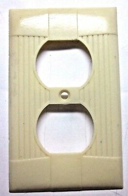 1 Vintage Eagle Tuxedo Ribbed Beige Bakelite Outlet Plate Cover Art Deco Classic