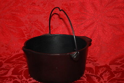 Griswold Cast Iron Deep Patty Bowl Erie, Pa. P/n 72 Circa: 1940 1950 Pristine !!