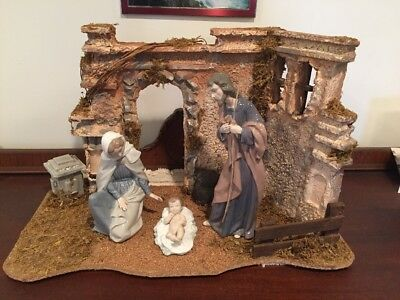 NAO by Lladro Holy Family: Jesus, Mary, Joseph Figurines w/ Creche 306 307 312