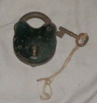 Vintage Antique Working Pad Lock With Key