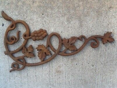Vintage Cast Iron Salvage Grape Leaf Vine Architectural Accent Farmhouse Shabby