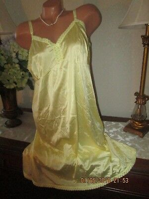 vintage full slip Vanity Fair sunny yellow lacy dress gown lingerie size 42