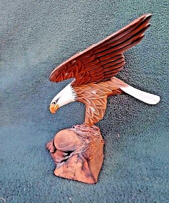 BALD EAGLE LANDING Wood Bird Sculpture Hand Carved & Painted By NG Chang