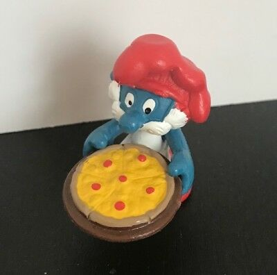 Vintage Papa Smurf with Pizza figure pre-owned FREE shipping