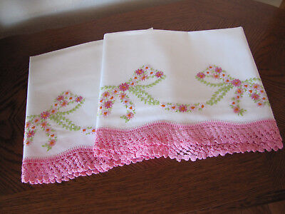 Vintage Pair of Pillowcases Embroidered & Crocheted Garlands Of Aster Bows Wow