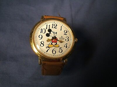 """Vtg Lorus by Seiko Disney """"Pie-Eyed"""" Large Face Mickey Mouse Watch Working AS IS"""