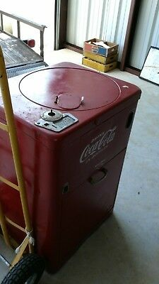 Vintage Vendo 23 Spin top Coke Coca Cola Machine for restoration or display