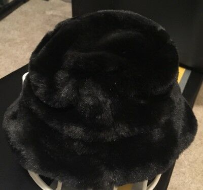 Wilsons Leather Kids Black Faux Fur Buckle Hat Size Small New With Out Tags