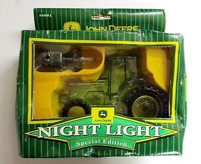 JOHN DEERE Special Edition NIGHT LIGHT W/C-7 Light Bulb CTH COLLECTIBLES