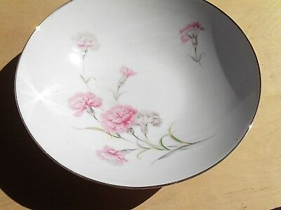 Royal Court Fine China Carnation Large